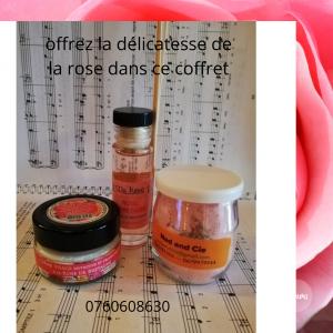 Un trio pour votre bien être bain lacté, crème visage et parfum maison. Code ID500